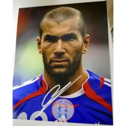 ZINEDINE ZIDANE SIGNED PHOTO