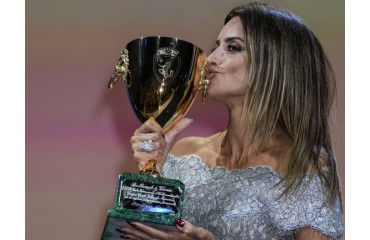 Penélope Cruz, the most awarded actress: the evolution of her career since 'Jamón, jamón' at just 18 years old