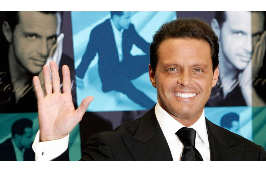 Luis Miguel, hospitalized after a brutal fall