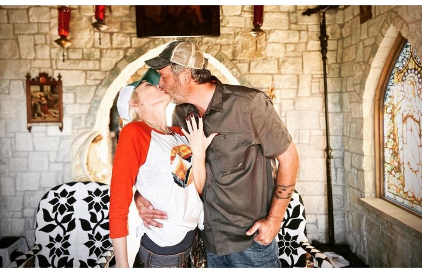 Gwen Stefani and Blake Shelton got married by surprise this weekend